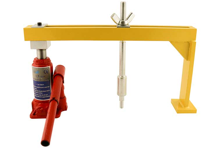 Hydraulic Manhole Seal Breaker set for use